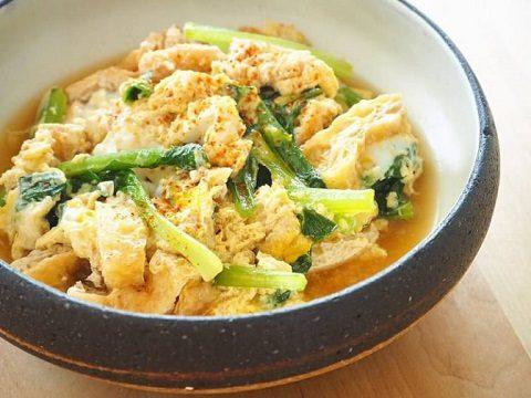 【季節のこころレシピvol.44】10分でできる!小松菜と油揚げの卵とじ