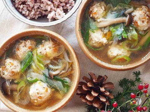 【季節のこころレシピvol.58】鶏団子と長ねぎの塩麹生姜スープ